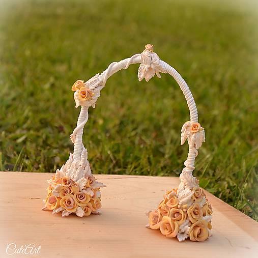 Svadobný oblúk Romance - kvetinový zápich na tortu - CuteArt.sk ... ed5b6987eb0